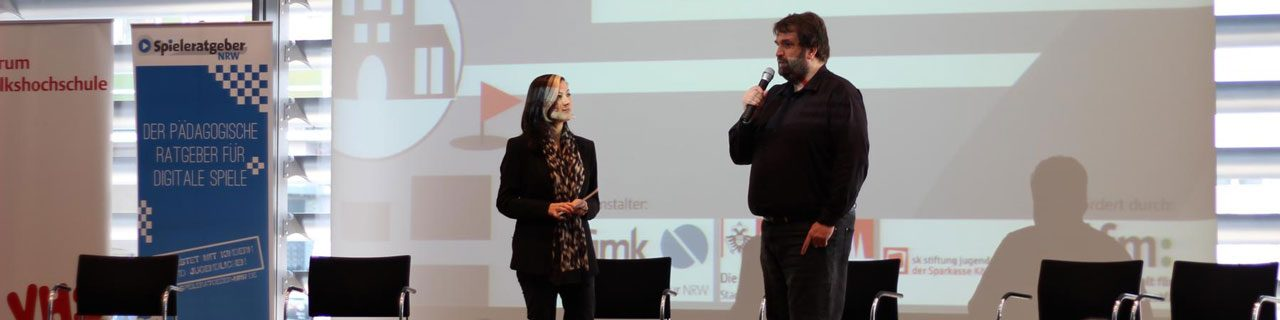"Foto des Kongresses ""Location based Gaming"" am 7. April 2017 in Köln, Nadia Zaboura und Torben Kohring"